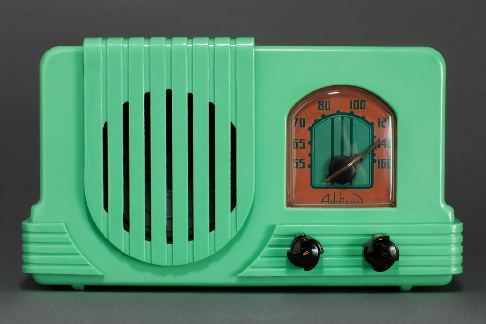 Addison 2 Plaskon Radio in Rare Green on Green