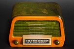 Air King A-600 'Duchess' Catalin Radio in Green with Yellow
