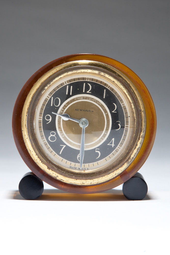 Clear Apple Juice Catalin New Haven Art Deco Clock