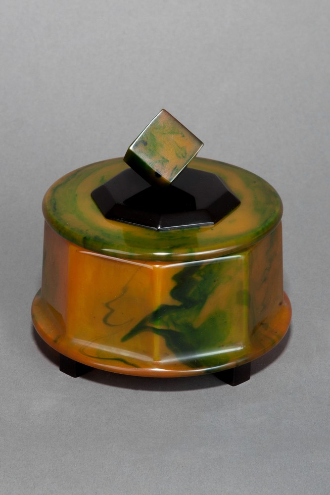 Great Catalin Box with Cube Finial in Green Swirled + Black