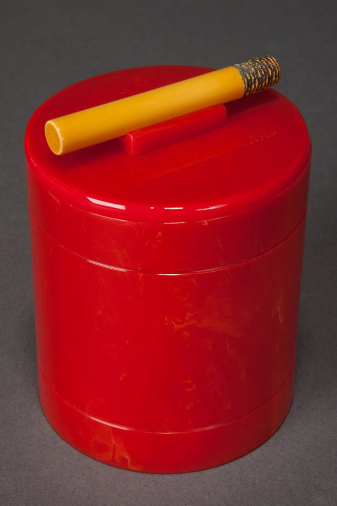 Catalin Bakelite Quot Cigarette Quot Box In Bright Red Objects