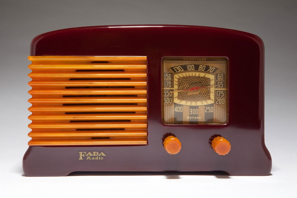 Beautiful Art Deco FADA Model F55 Radio Plum + Butterscotch Catalin