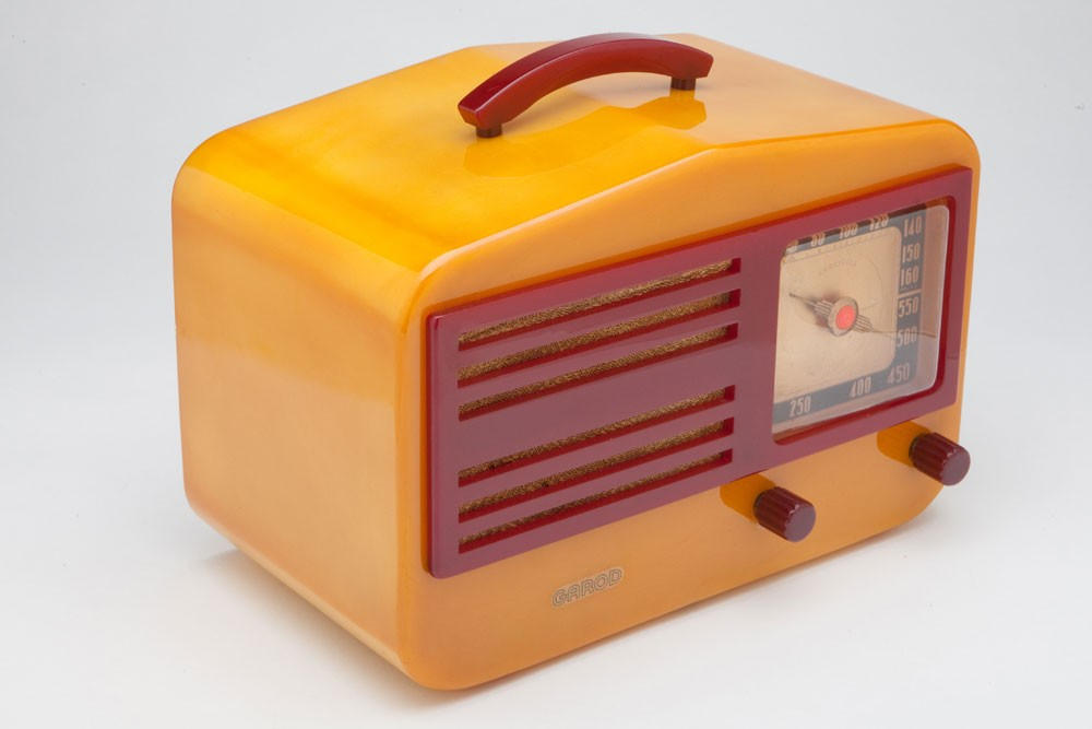 "Catalin Garod 1450 ""Peak-Top"" Butterscotch + Raspberry Art Deco Radio"