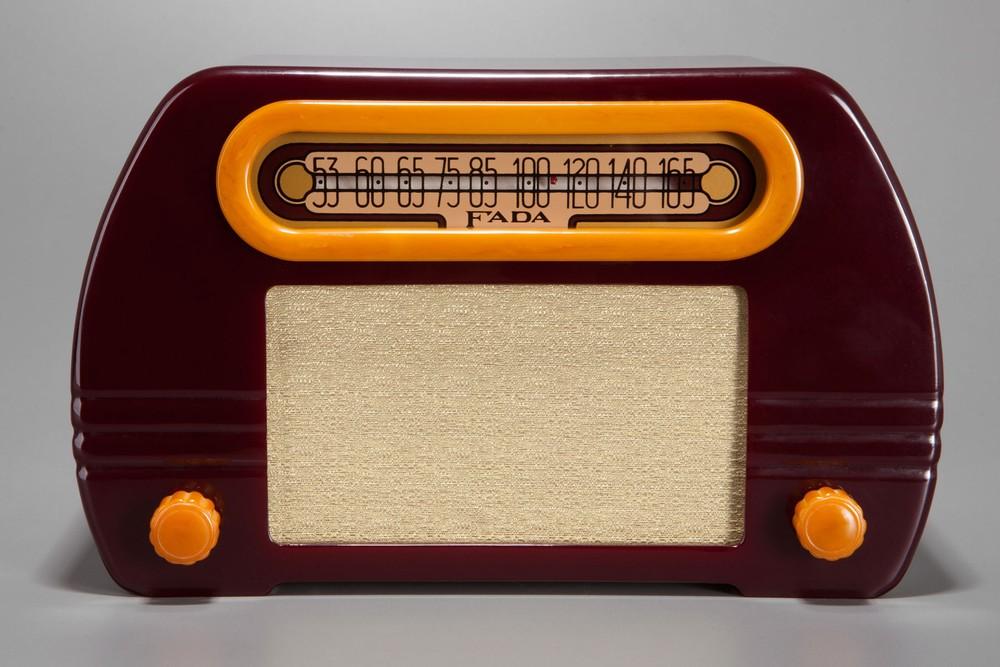 Fada 'Temple' 652 Catalin Radio in Plum + Butterscotch Open-Face