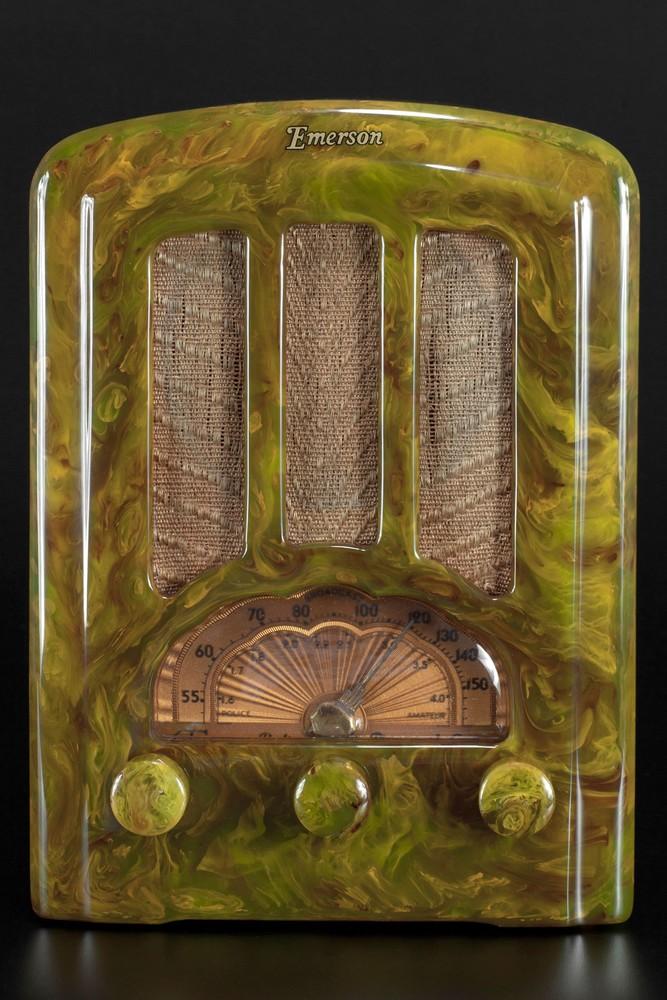 Emerson AU-190 Radio Marbleized Green Catalin Tombstone