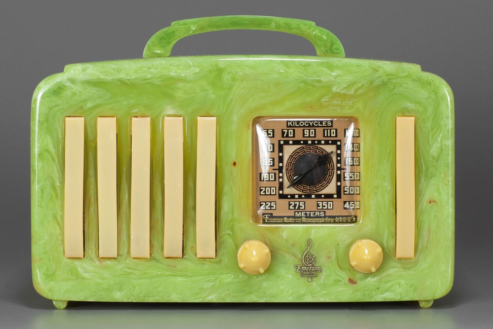 Catalin Emerson EP-375 '5+1' Radio in Marbled Green with Handle