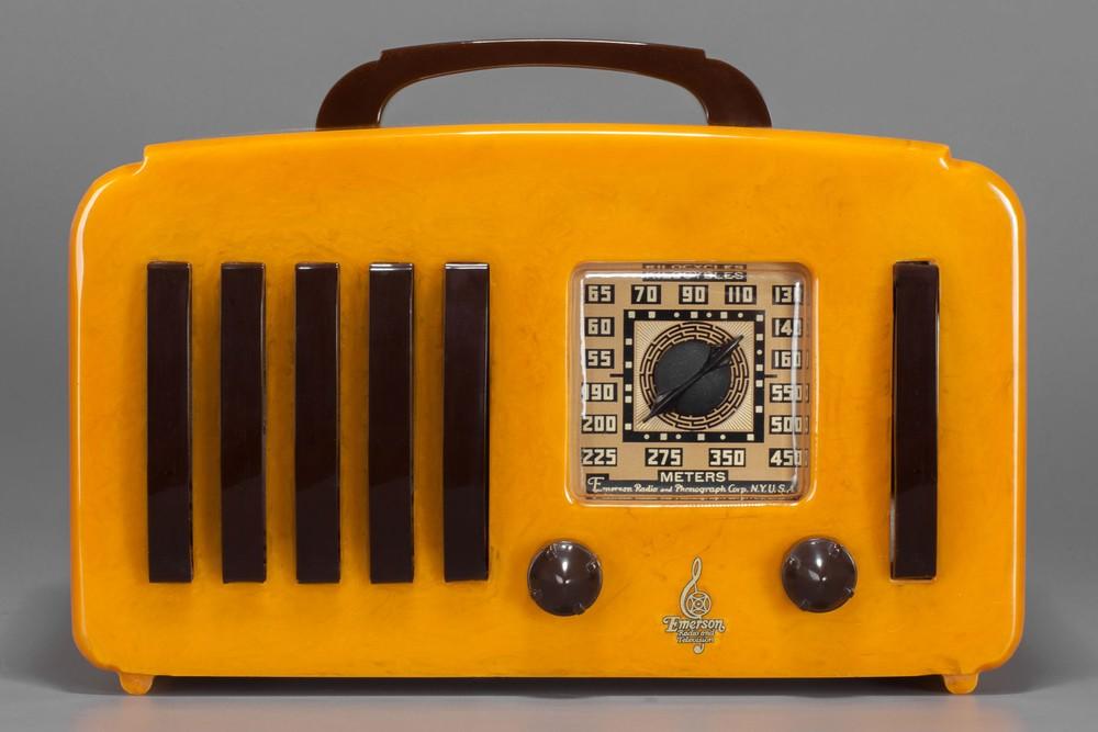 Catalin Emerson '5+1' EP-375 Radio in Butterscotch + Rare Brown Handle