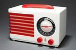 """Emerson """"Patriot"""" 400 Catalin Radio in White Norman Bel Geddes Art Deco Design"""