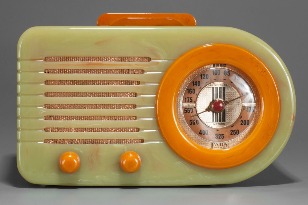 FADA 115 Catalin 'Bullet' Radio in Onyx Green + Yellow - Rare Pre-War