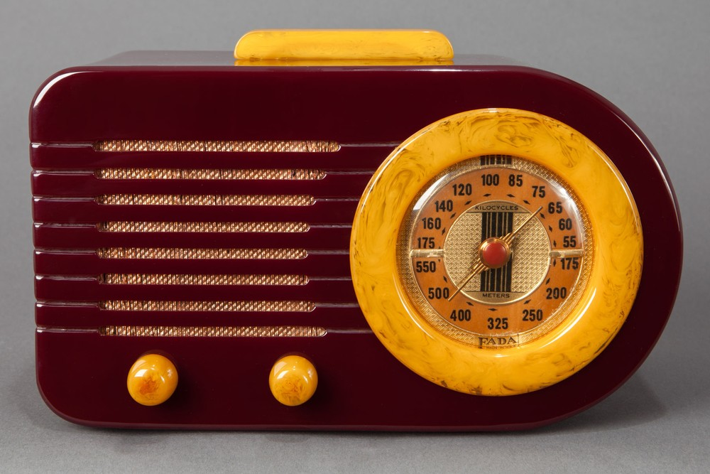 "Pre-War FADA 115 ""Bullet"" Catalin Radio - Plum + Yellow - Rare"