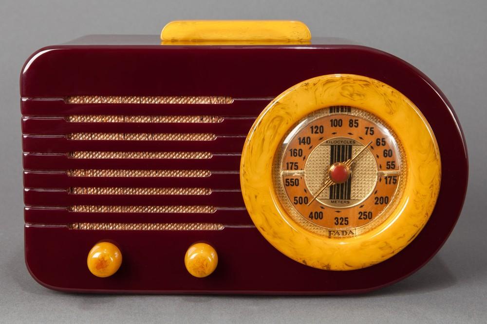 "Pre-War FADA 115 ""Bullet"" Catalin Radio - Plum + Yellow - Rare"