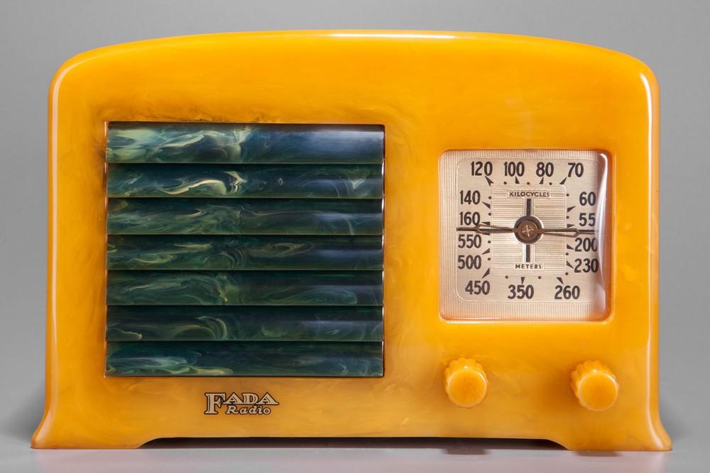Fada 5F50 Catalin Radio in Yellow + Blue - Great