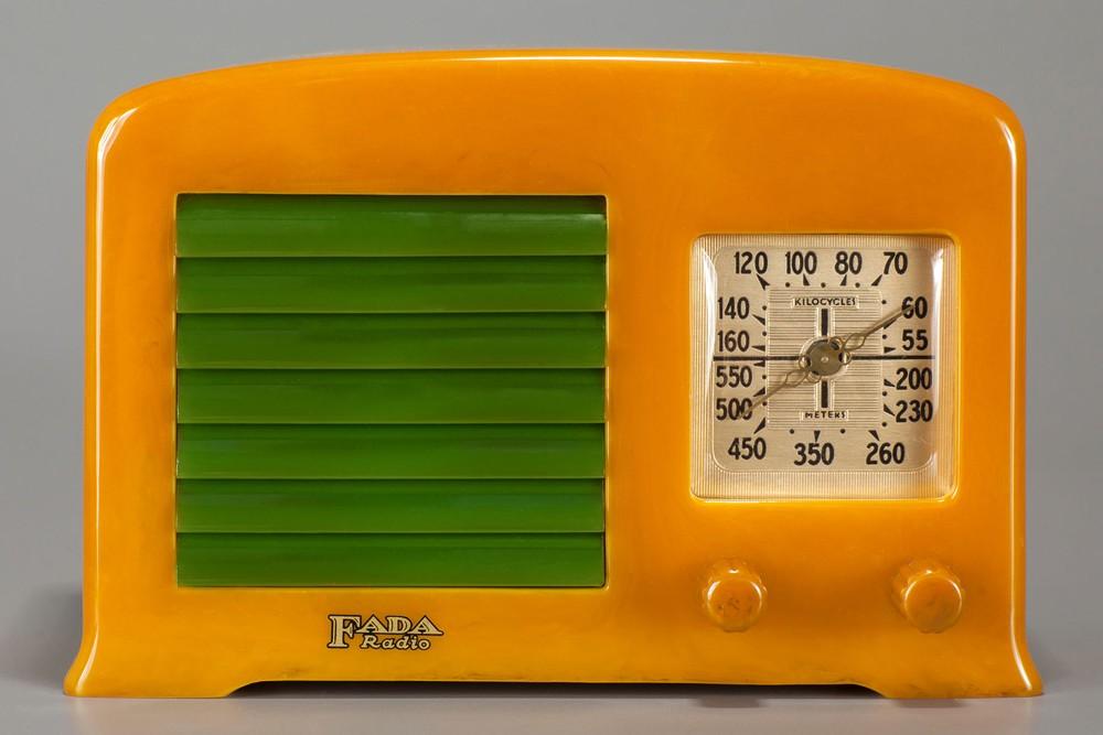 Fada Catalin 53 Radio in Yellow + Green - Deco