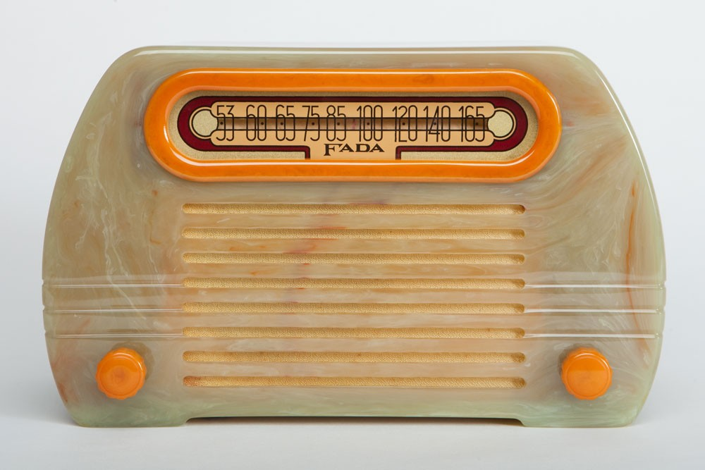 "Art Deco Fada 652 ""Temple"" Catalin Radio in Onyx + Yellow"