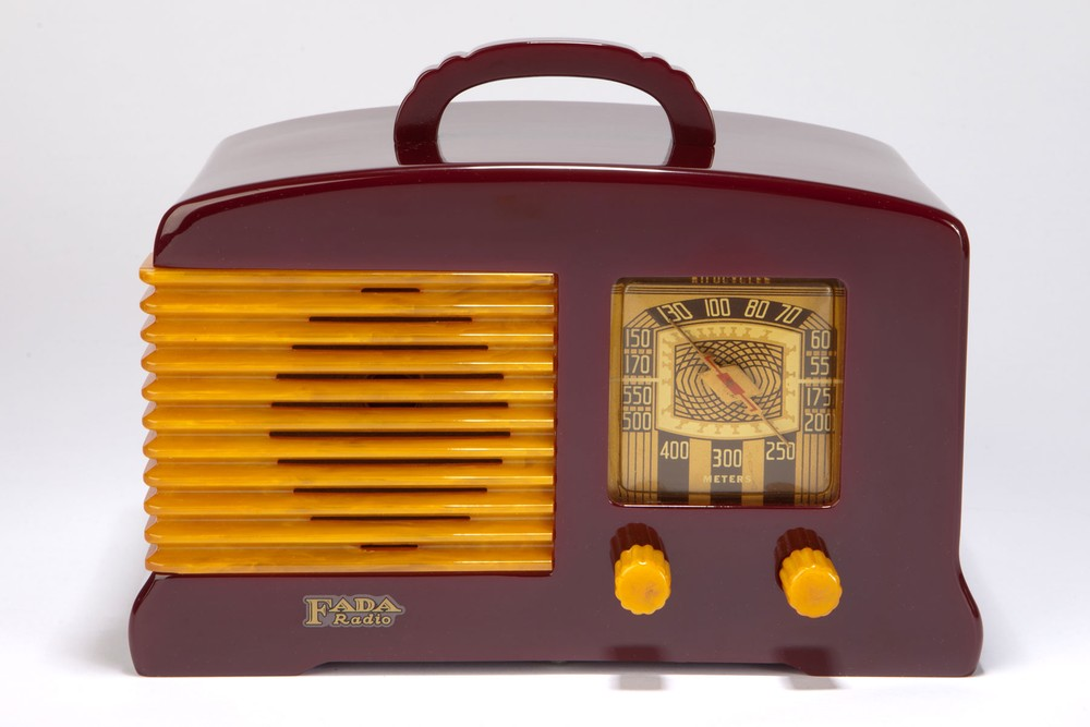 Catalin FADA L-56 Radio in Plum + Butterscotch - Great Art Deco Design