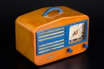 Garod 1450 Radio Catalin 'Peak-Top' in Butterscotch + Blue