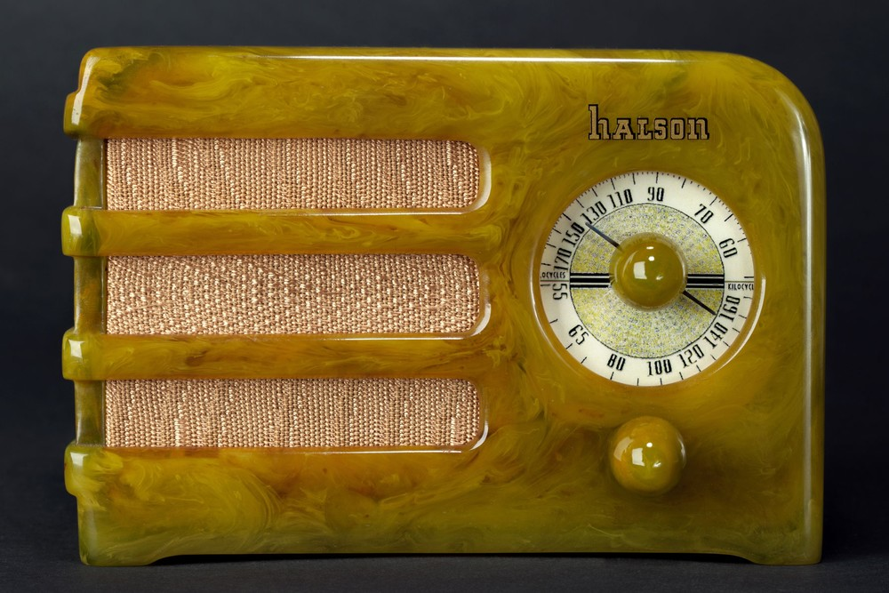 Halson Catalin Radio A5 'Dwarf' in Brazilian Onyx Green - Rare