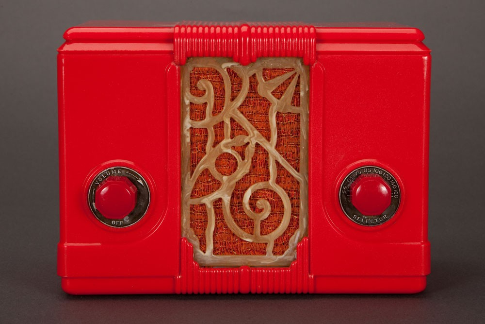 "Red Art Deco Kadette ""Jewel"" 44 Plaskon Tube Radio"