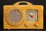 Motorola Radio 50XC Catalin 'Circle Grille' in Light Yellow Oatmeal