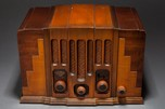"RCA Victor Radio Model 115 ""Skyscraper"" Art Deco Design"