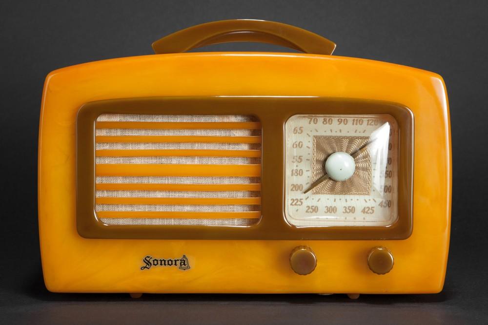Sonora 'Coronet' KM Catalin Radio in Yellow + Olive Green