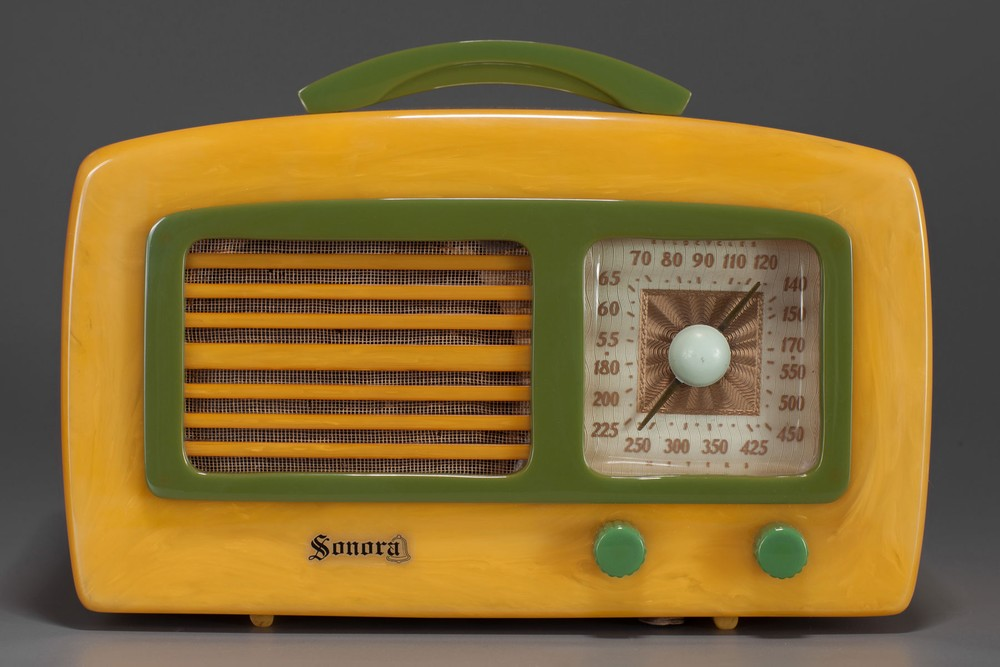 Sonora KM 'Coronet' Radio in Yellow + Green Catalin