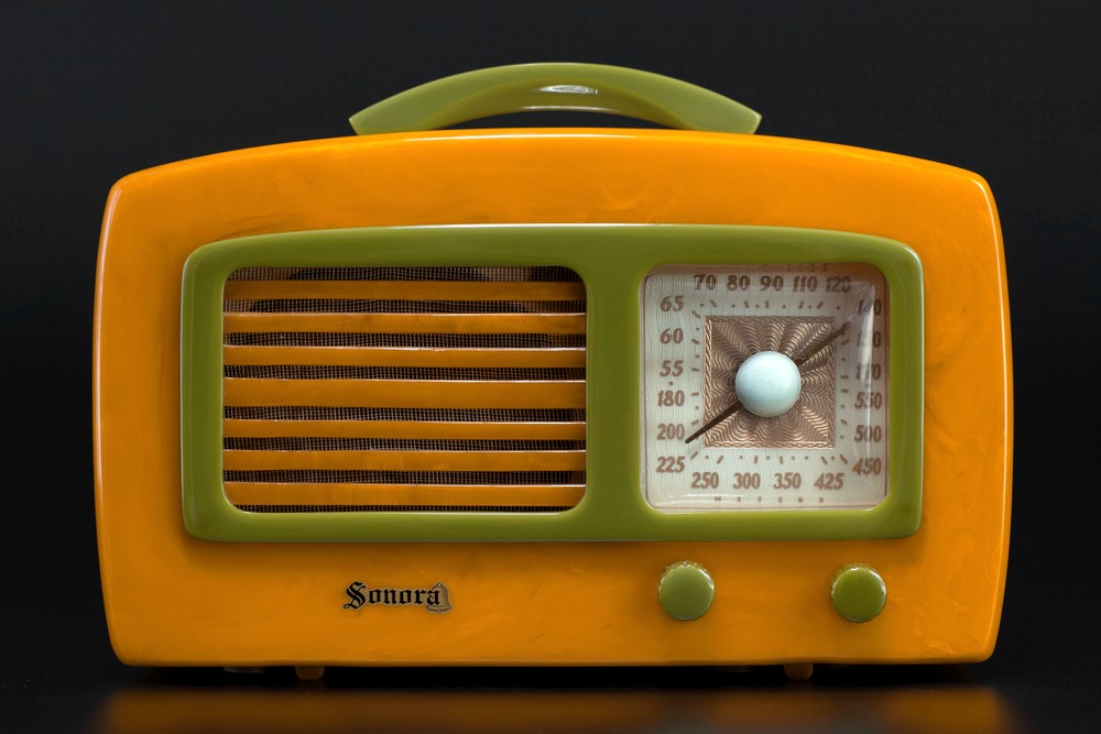 Catalin Sonora Radio KM 'Coronet' in Yellow + Green