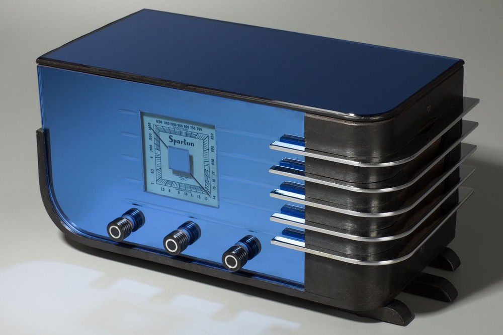 Deco Sparton 557 'Sled' 3-knob Blue Mirror Radio Walter Dorwin Teague Design
