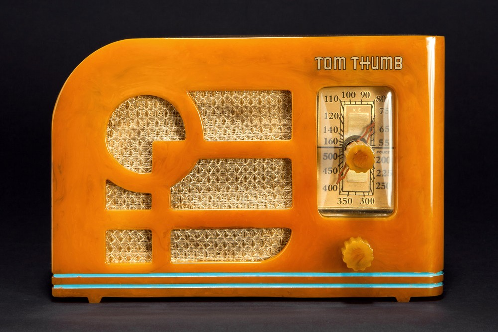 Tom Thumb 'Deco' Catalin Radio in Marbleized Butterscotch - Rare Model
